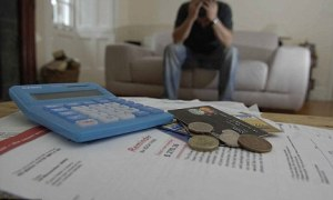 Ten tips to get out of a financial crisis at home